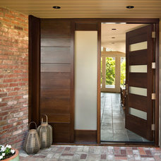 Contemporary Entry by Duxbury Architects