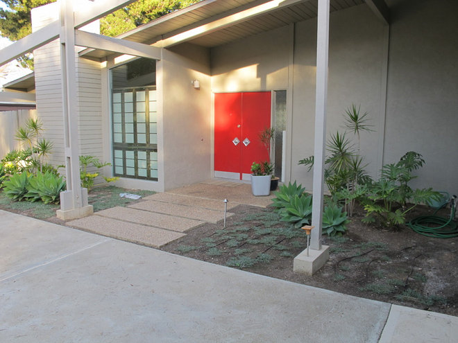 Contemporary Entry by Falling Waters Landscape