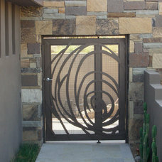 Contemporary Entry by Suzman Design Associates