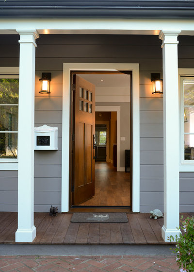Traditional Entry by FGY Architects