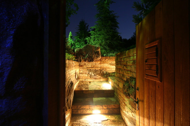Rustic Entry by CAVINESS LANDSCAPE DESIGN, INC.