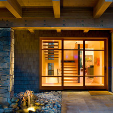 Traditional Entry by Lane Williams Architects