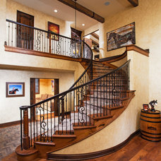 Traditional Entry by Susan Thiel Design