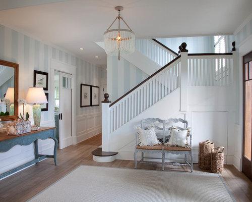 entr e bord de mer avec un mur multicolore photos et id es d co d 39 entr es de maison ou d. Black Bedroom Furniture Sets. Home Design Ideas