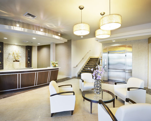 Office lobby houzz for Houzz corporate office