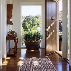eclectic entry by Tommy Chambers Interiors, Inc.