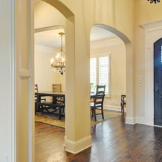 Traditional Entry by Braswell Homes Inc