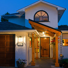 Contemporary Entry by Paul Hofmann Construction