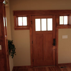 Traditional Entry by K Architectural Design, LLC