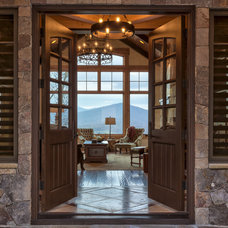 Traditional Entry by Sun Mountain, Inc.