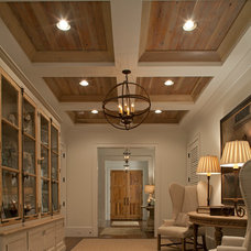 Traditional Entry by Geoff Chick & Associates