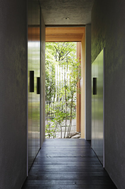 Asian Entry by Love Architecture