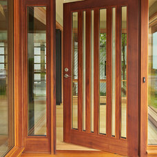 Contemporary Entry by FINNE Architects