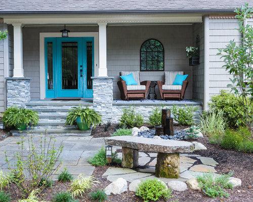 diseo de puerta principal rstica de tamao medio con puerta simple puerta azul