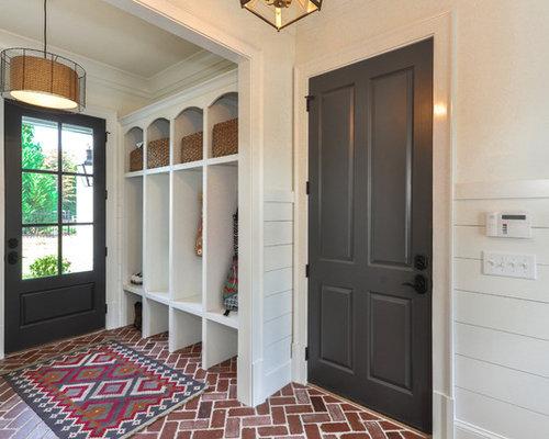 hall d 39 entr e contemporain avec un sol en brique photos et id es d co de halls d 39 entr e de. Black Bedroom Furniture Sets. Home Design Ideas