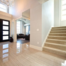 Contemporary Entry by Viper Homes Inc.