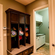 Traditional Entry by Brown Wegher Construction