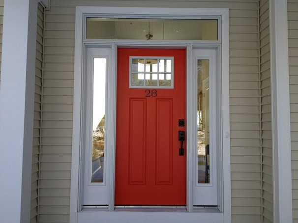 Traditional Entry by BROM Builders