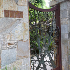 contemporary entry by Susan Jay Design