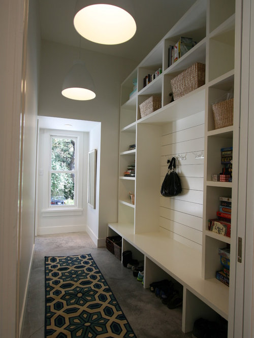 Narrow mudroom bench houzz for Mudroom layout