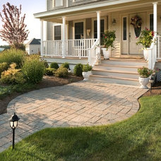 Traditional Entry by Landscape Plus, LLC