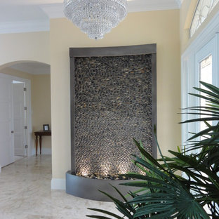 Example of a trendy entryway design in Miami