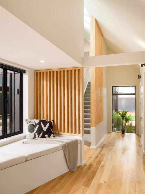 kleiner eingang mit korridor hauseingang eingangsbereich gestalten. Black Bedroom Furniture Sets. Home Design Ideas