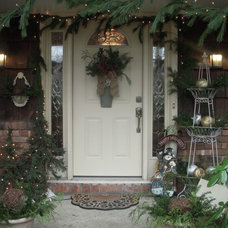 Traditional Entry by Hydrangea Home