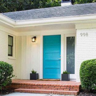 Idéer för att renovera en 50 tals ingång och ytterdörr, med en enkeldörr och en blå dörr