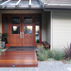 Modern Entry by debora carl landscape design