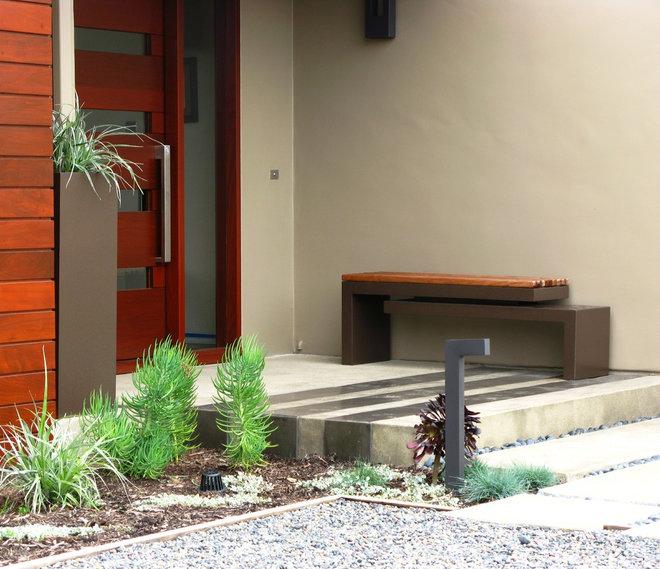 Contemporary Entry by debora carl landscape design