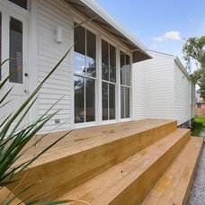 Contemporary Entry Deck off new entrance
