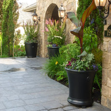 Contemporary Entry by All Oregon Landscaping