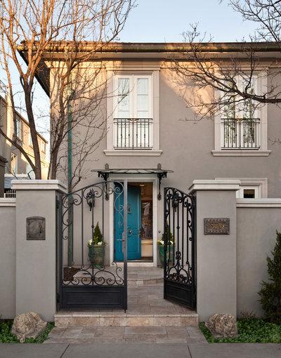 9 Daring Colors For Your Front Door