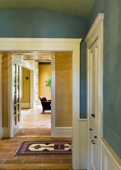 American Traditional Entry by Smith & Vansant Architects PC