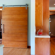 Contemporary Entry by Design Dacoy