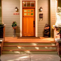 traditional entry by WW Builders Design/Build Associates