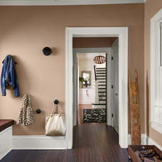 Contemporary Entry by Susan Gilmore Photography