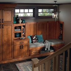 Craftsman Entry by MasterBrand Cabinets, Inc.