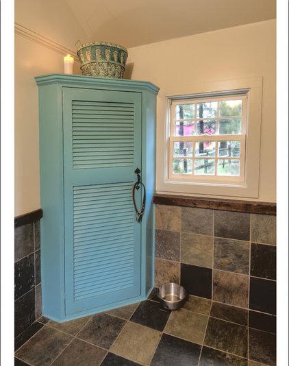 Farmhouse Bathroom by Advantage Contracting