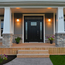 Traditional Entry by Craftsman Construction