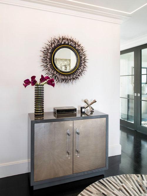 Hall d\'entrée moderne avec un sol en bois peint : Photos et idées ...