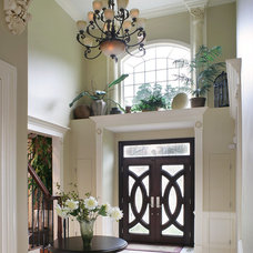 Traditional Entry by Creative Design Construction, Inc.