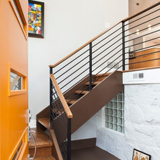 Midcentury Entry by Renewal Design-Build