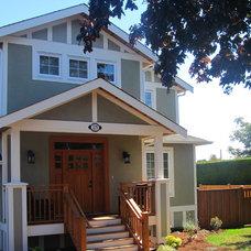 Craftsman Entry by Outline Home Design