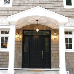 traditional entry by Heidi Hornaday, Architect, P.C.