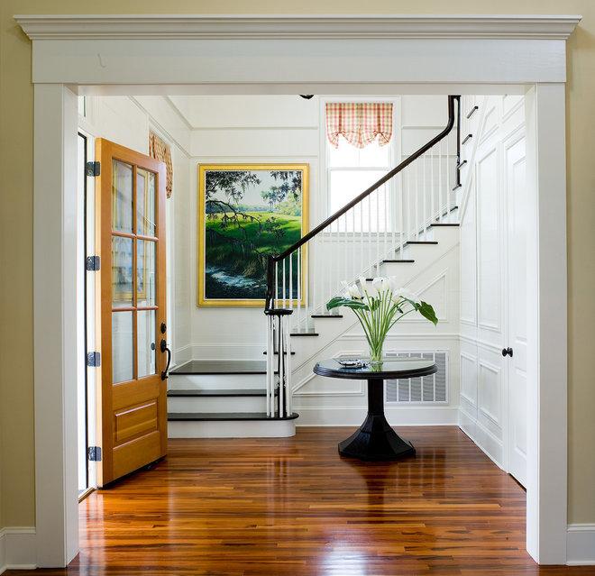 Traditional Entry by WaterMark Coastal Homes, LLC