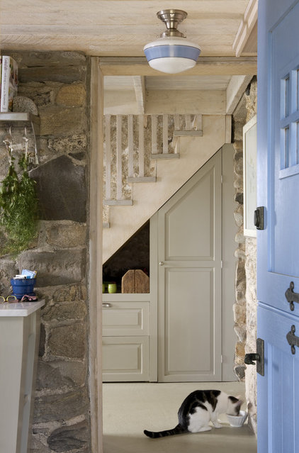 eclectic entry by Knickerbocker Group