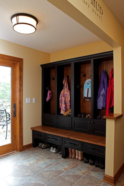 Traditional Entry by Knight Construction Design | Chanhassen, Minnesota