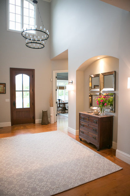 Traditional Entry by Laura Hollingsworth Interiors & Consulting